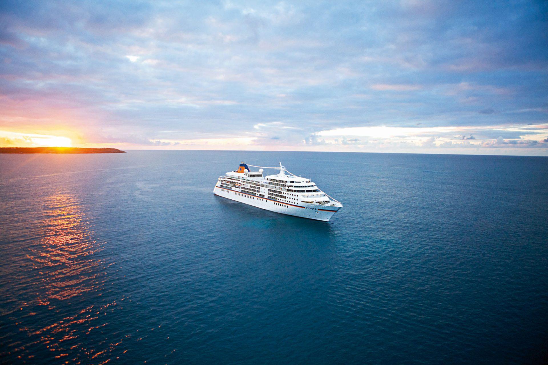 MS EUROPA, das Fünf-Sterne-Plus Kreuzfahrtschiff (laut Berlitz Cruise Guide)